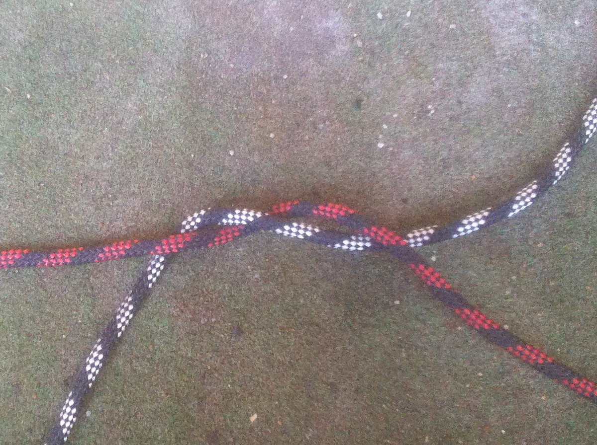 Square Knot - step 2