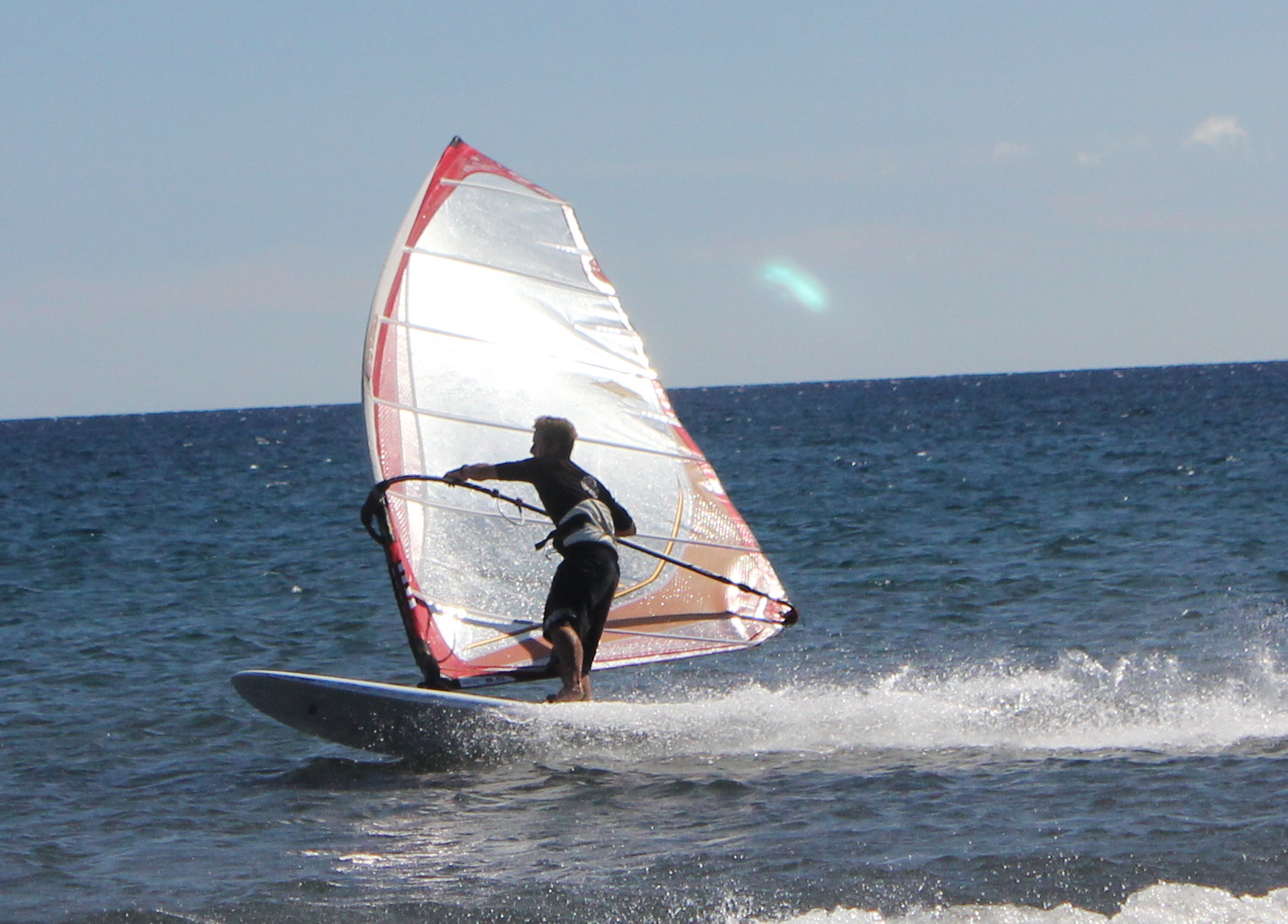 How to Windsurf – The Planing Gybe